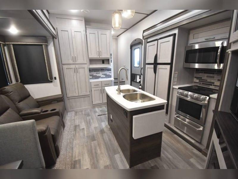 2020 Keystone Montana High Country 362RD interior
