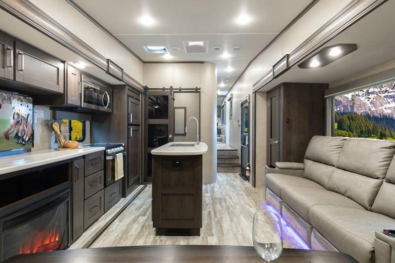 2021 Reflection 31MB interior