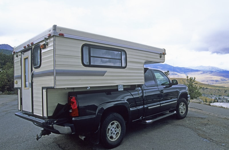 13 Best half Ton Truck Campers With Pictures